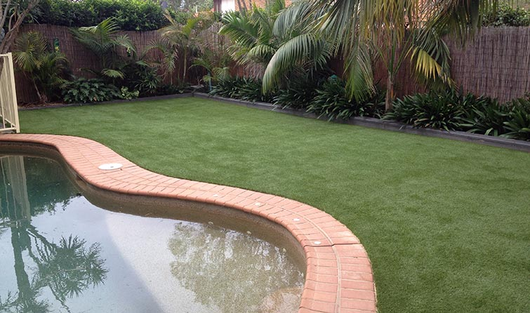 Fake Turf Around Sydney Pool